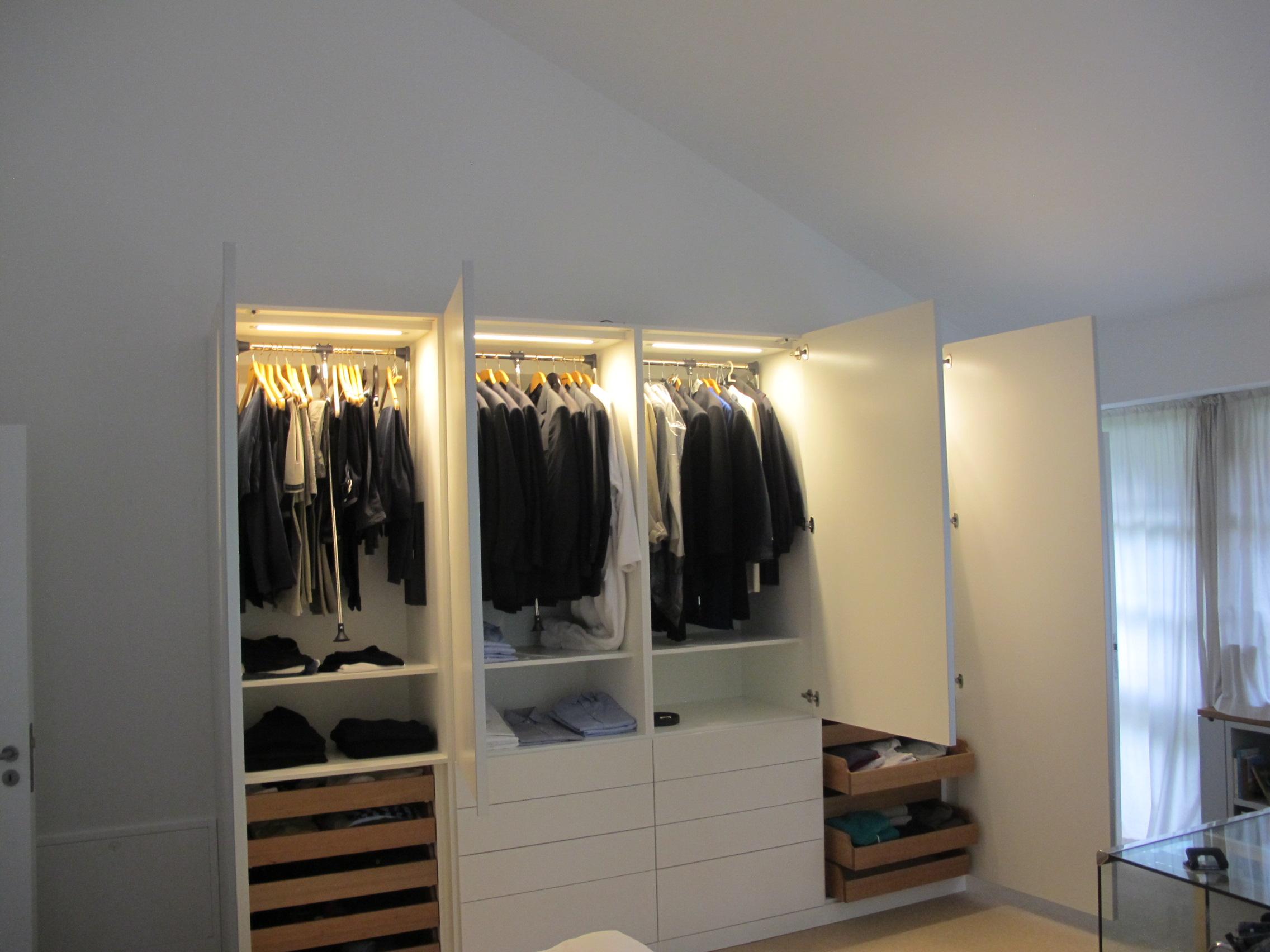 Furniture manufacturing by tischlerei janssen your for Schlafzimmer schrankwand