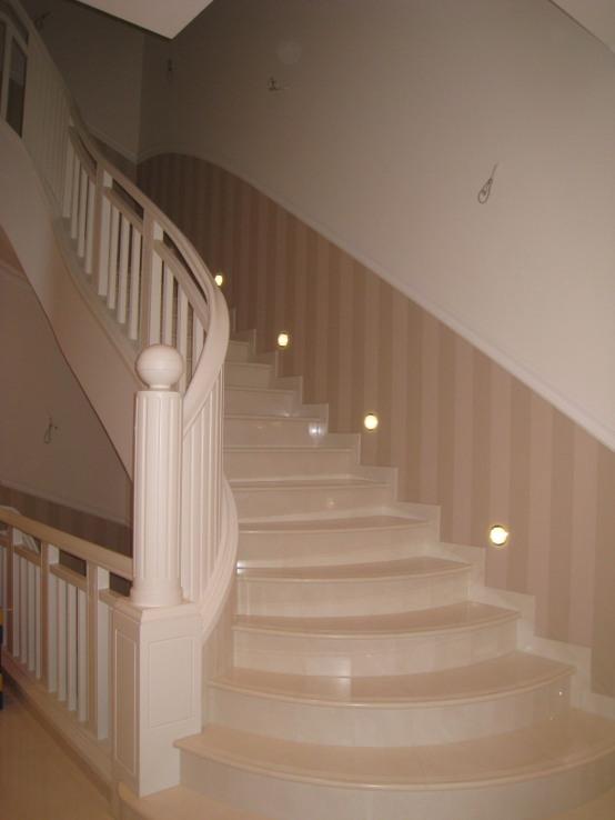 treppen aller art aus holz fertigt die tischlerei janssen. Black Bedroom Furniture Sets. Home Design Ideas